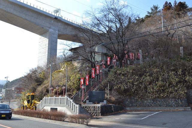 成田山蓮華不動院へ続く参詣道
