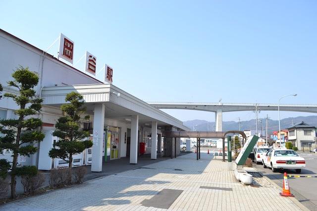 2014(平成26)年撮影の岡谷駅旧駅舎