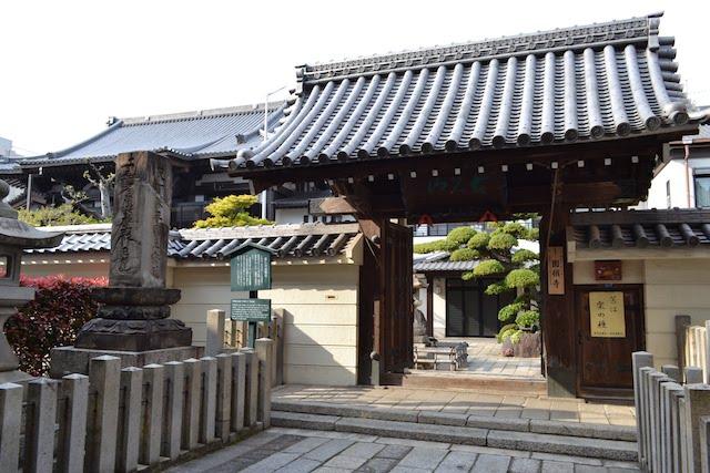 円頓寺商店街の中心に鎮座する長久山圓頓寺