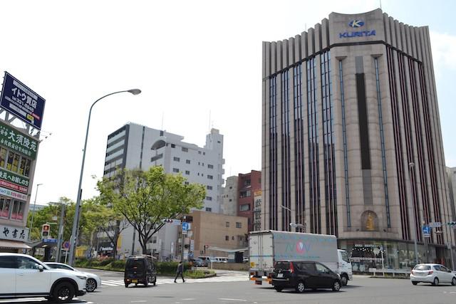 上前津東交差点角にある文房具とオフィス用品の専門店「栗田商会 名古屋本店」