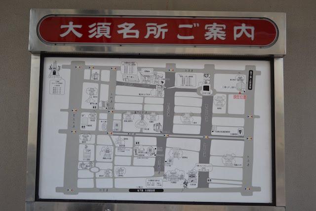 三菱UFJ銀行上前津支店の外に掲示されている「大須名所ご案内」イラストマップ