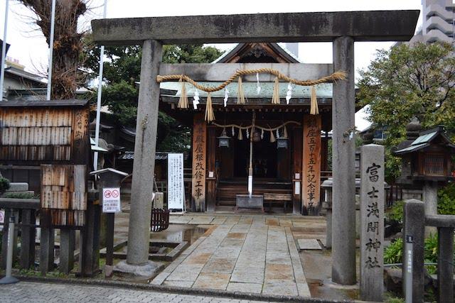 大須観音通商店街の脇にある富士浅間神社