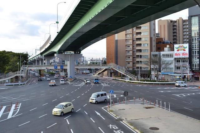 名古屋高速都心環状線と鶴舞公園前交差点