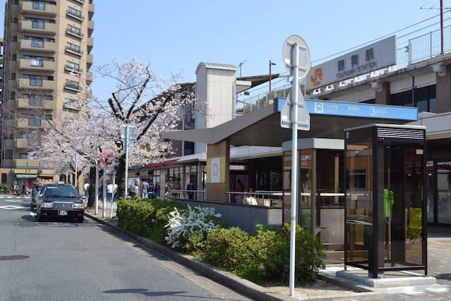 JR鶴舞駅公園口と地下鉄鶴舞駅3番出入口