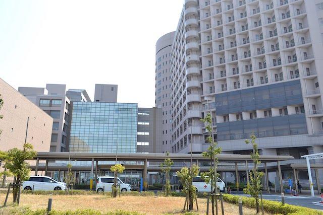 名古屋大学医学部附属病院の入口