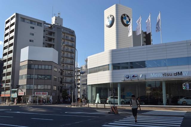 東大曽根交差点にある「Meitetsu BMW大曽根店」