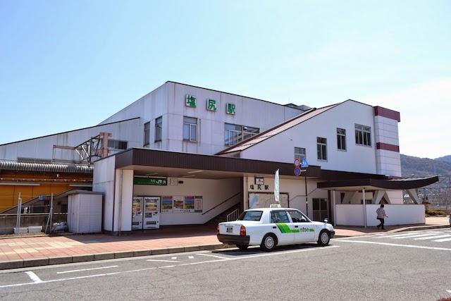 塩尻駅西口駅舎