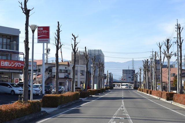 塩尻駅東口と塩尻市役所を結ぶ道路