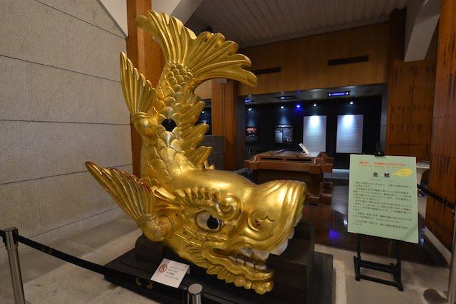 名古屋城天守閣地階にあった原寸大の金鯱展示
