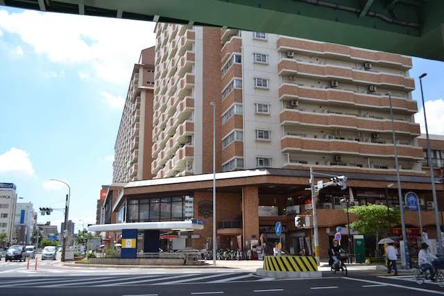敷地内に名古屋市バス浄心営業所がある市営住宅「シティーファミリー浄心」