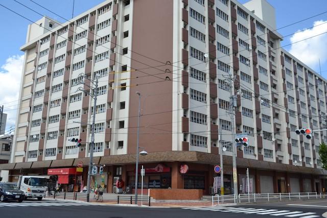 上飯田バスターミナルの上層階は名古屋市営住宅「西上飯田荘」