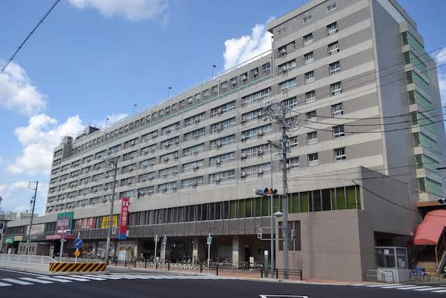 上飯田駅1番出入口がある名鉄上飯田ビルの上層階はUR上飯田住宅