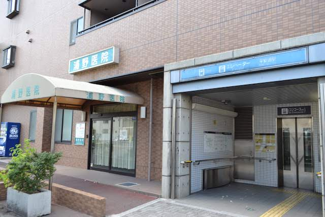 マンションに併設された平安通駅エレベーター