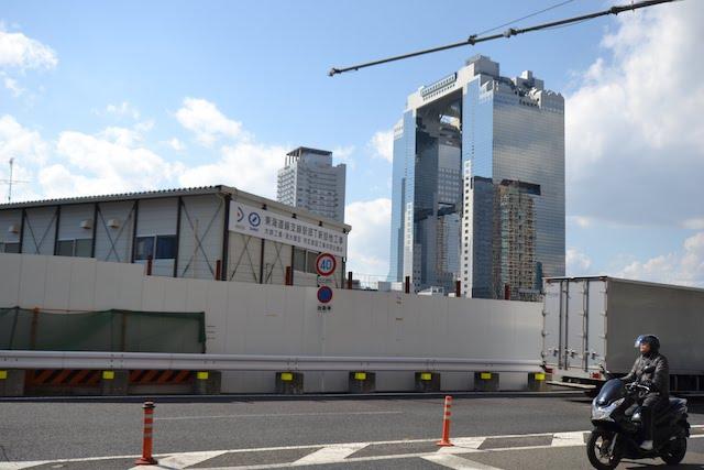 東海道支線「北梅田駅(仮称)」予定地に設けられている建設事務所
