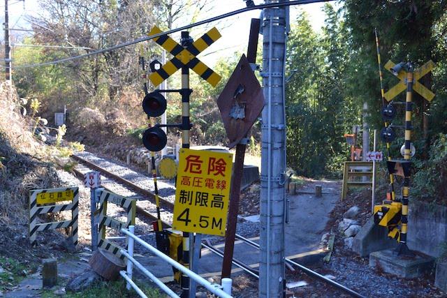 飯田線の仏石踏切