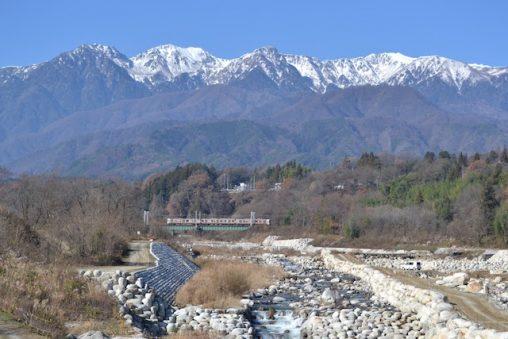 与田切川をΩカーブで渡る飯田線