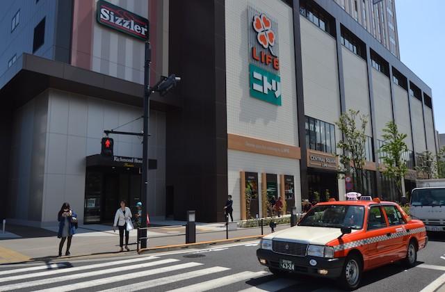 リッチモンドホテル1階のスーパー「ライフ セントラルスクエア押上駅前店」