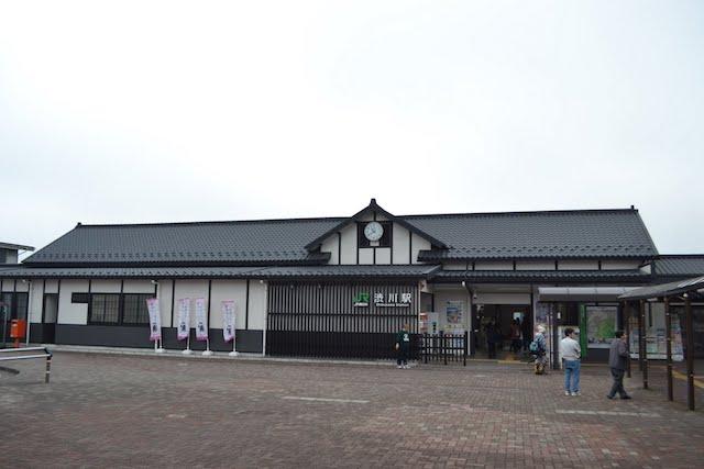 2010年にリニューアルされた渋川駅の駅舎