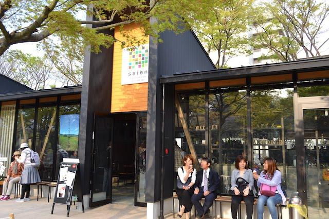 「金シャチ横丁ソフトクリーム」も販売するベジタブルカフェ&シーフードバー「saien」