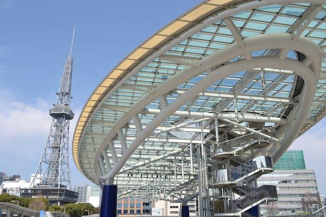 「オアシス21」と名古屋テレビ塔