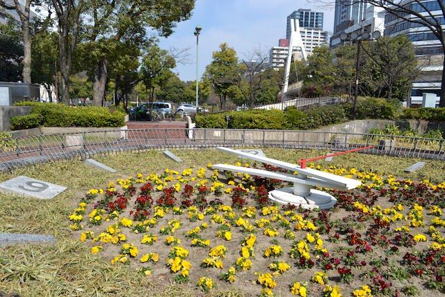 久屋大通公園の名古屋テレビ塔北側にある花時計