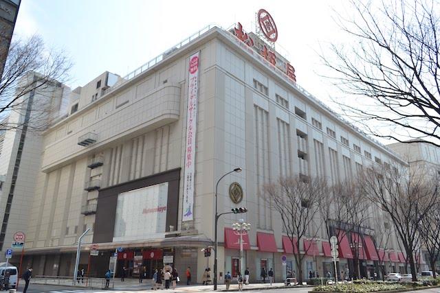 大津通側から見た洋館風デザインの松坂屋名古屋店本館